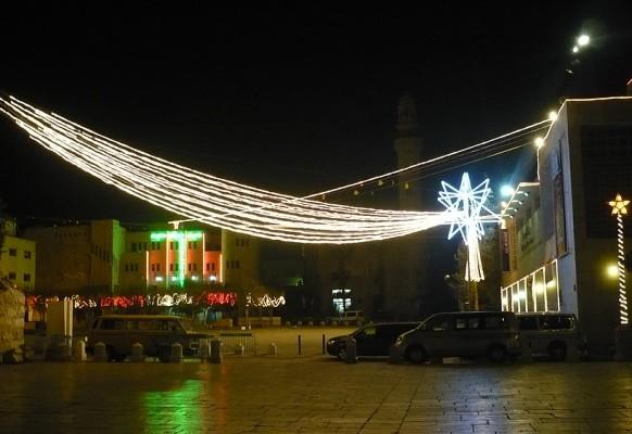 Площадь Рождества в Рождественскую ночь.