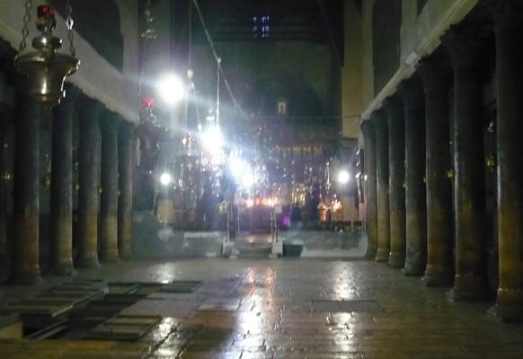 Интерьер храма Рождества.
