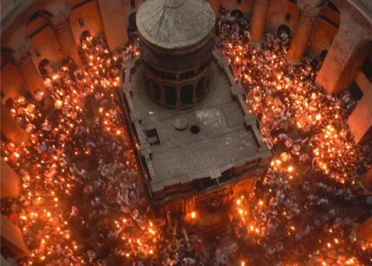 Принятие Благодатного огня в Храме Гроба Господня (1)