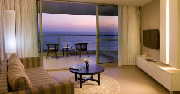 ramada-hotel-room