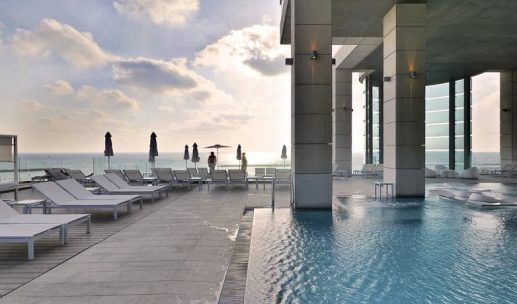 royal-beach-hotel-pool