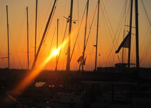 Закат солнца в Яфском порту