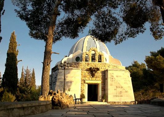 Католическая церковь стоит на месте, где Ангел возвестил миру великую весть о рождении Христа.