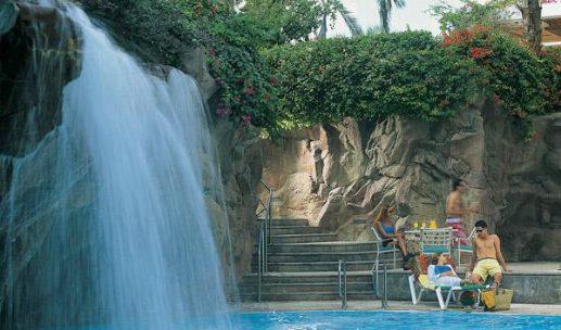 royal-beach-hotel-eilat-pool