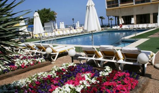 seasons-hotel-netanya-pool