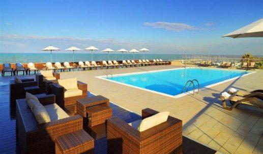 sheraton-hotel-tel-aviv-pool