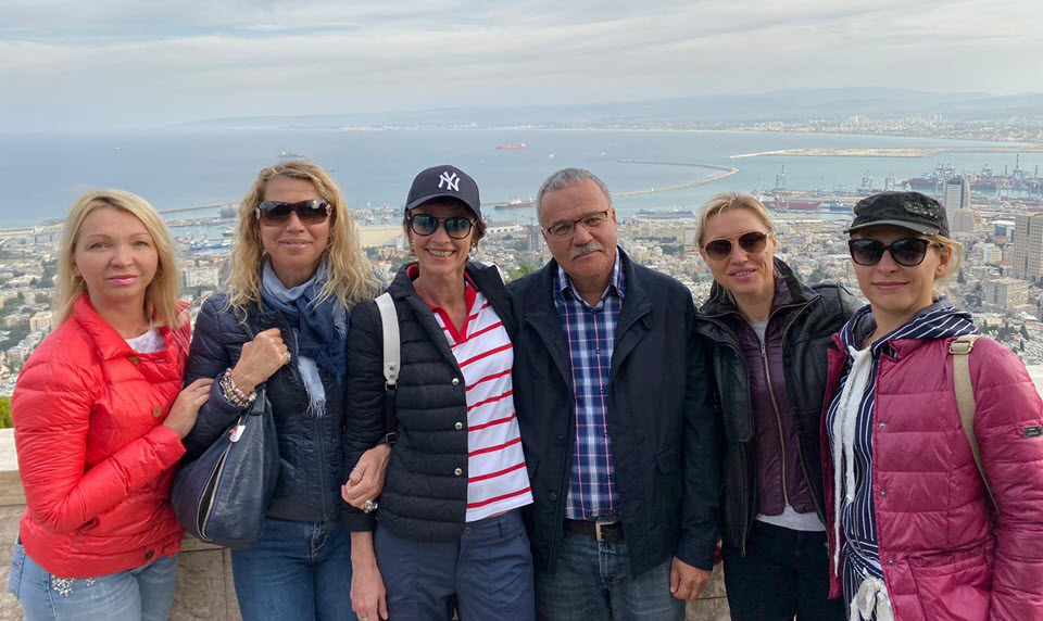 Peter with tourists March-2019