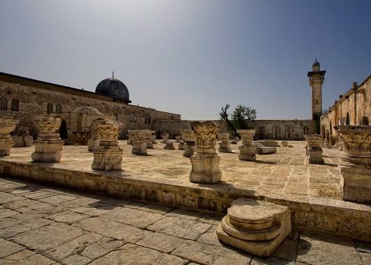 Базы и капители – архитектурный декор еврейского храма и 83 средневековых построек на Храмовой горе.