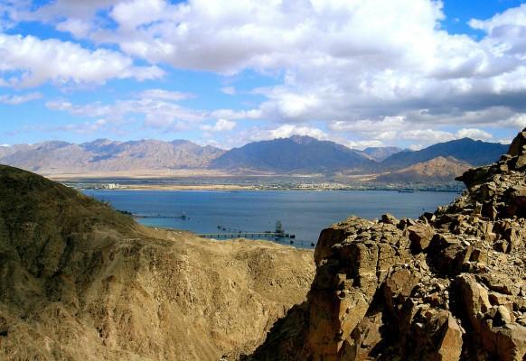 Эйлатские горы и залив необыкновенно красивы