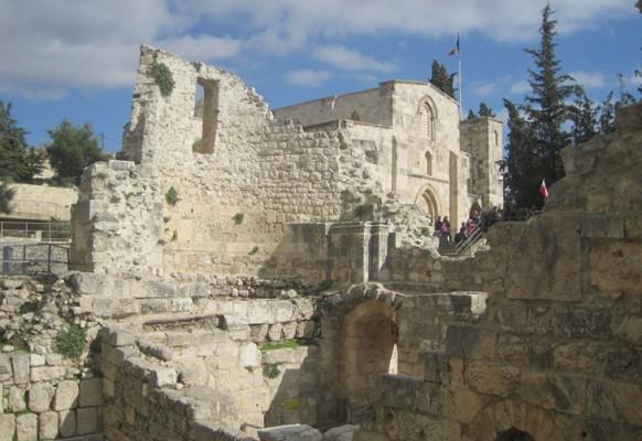 Монастырь Святой Анны. Руины древних церквей.