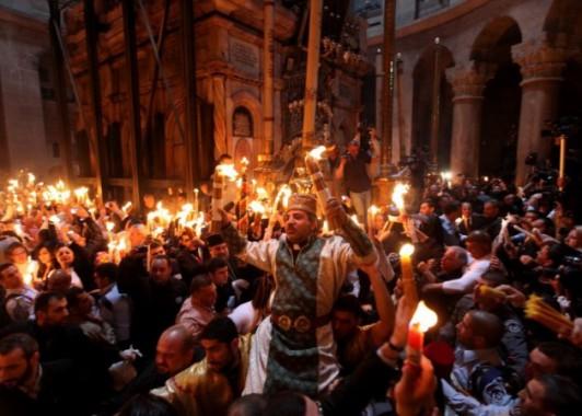 Принятие Благодатного огня в Храме Гроба Господня (3)