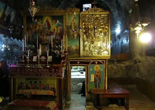 Могила Богородицы в подземной церкви Успения Богородицы.