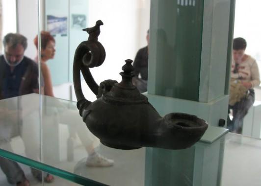 Бронзовый масляный светильник римского времени. Ципори.