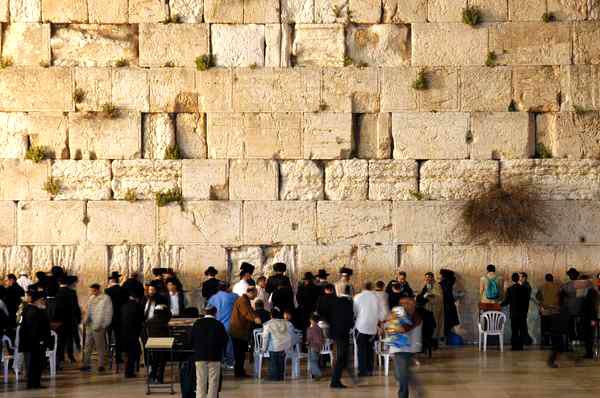 Стена Плача - главная еврейская святыня Иерусалима.