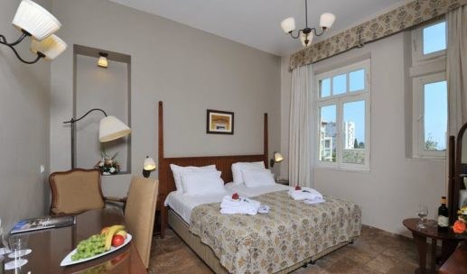 colony-hotel-from