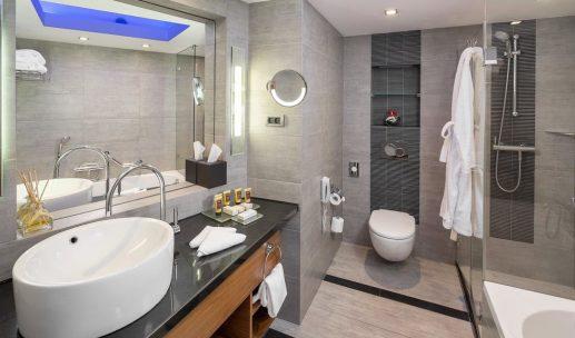 hilton-tlv-wash-room