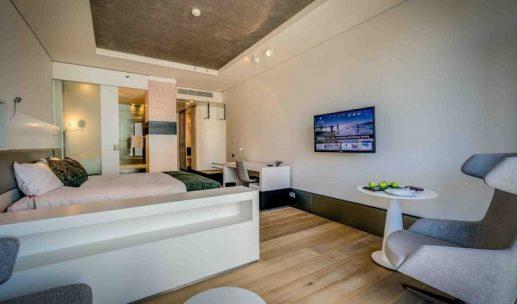 royal-beach-hotel-room