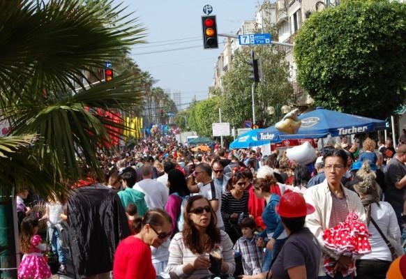 Традиционный пуримский карнавал.