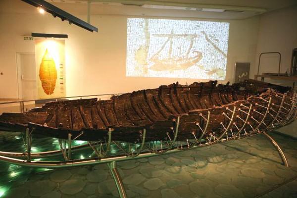 Рыбацкая лодка времен Иисуса Христа
