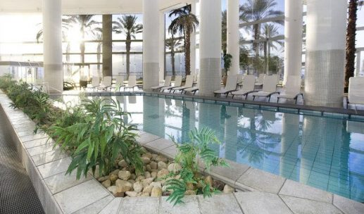 crowne-plaza-hotel-dead-sea-pool