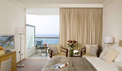 royal-beach-hotel-eilat-room